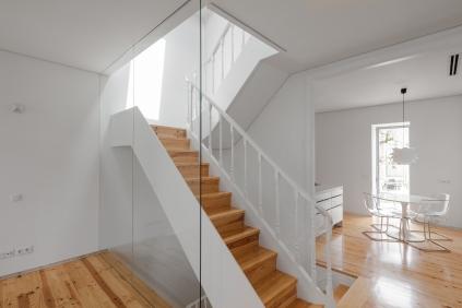 Caixa de Escadas e Cozinha